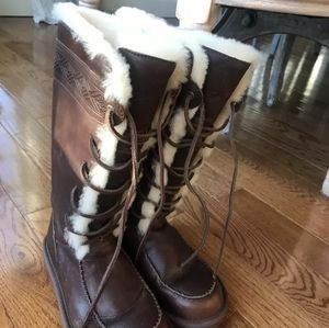 UGG Authentic Tularosa Tall Lace-Up Boots. Sz 6 US